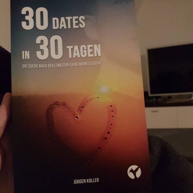Schon jemand mein Buch gelesen? 1 Jahr ists her seithellip