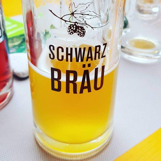 Schwarzbruschne Erffnungsfeier der neuen Halle in Krumbach bier beer festhellip