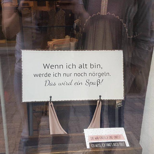 wenn ich alt bin auslage badenbeiwien schaufenster spruch austrianblogger